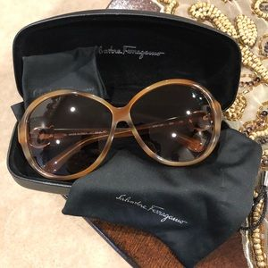 Salvatore Ferragamo ladies sunglasses